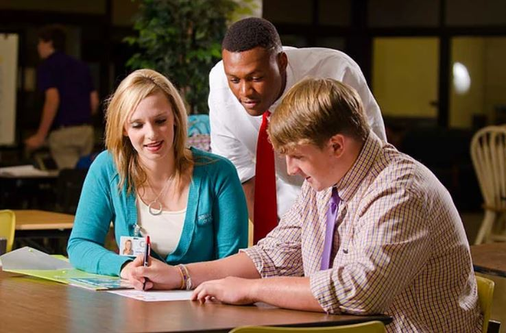 Why Many Students Fail to Identify the Right Career Path in High School